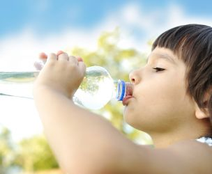 Prevent dehydration in children