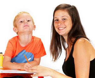 How to set a nanny or babysitter salary?
